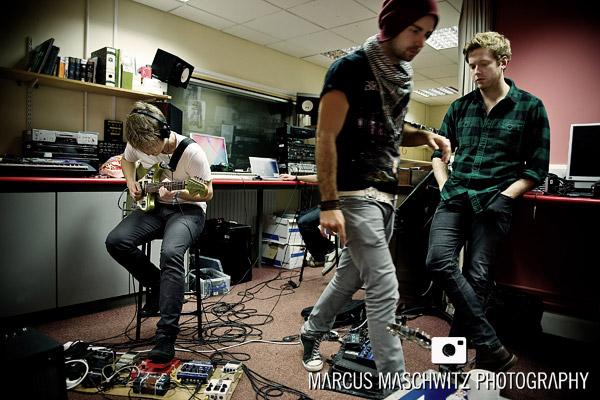 narration-in-studio-02