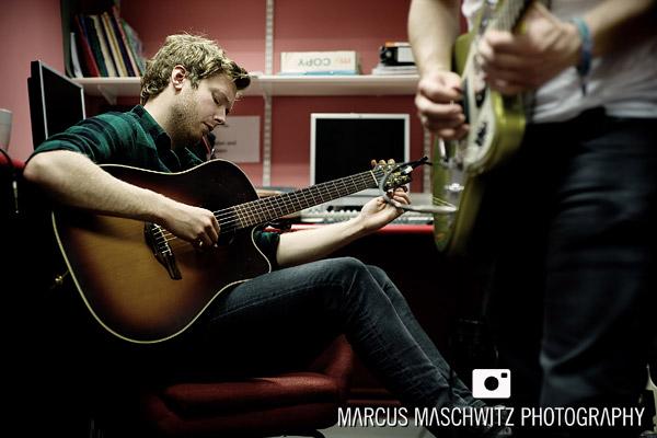 narration-in-studio-04
