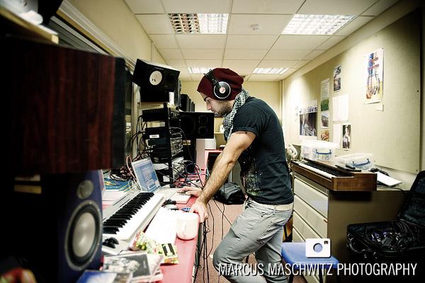 narration-in-studio-07