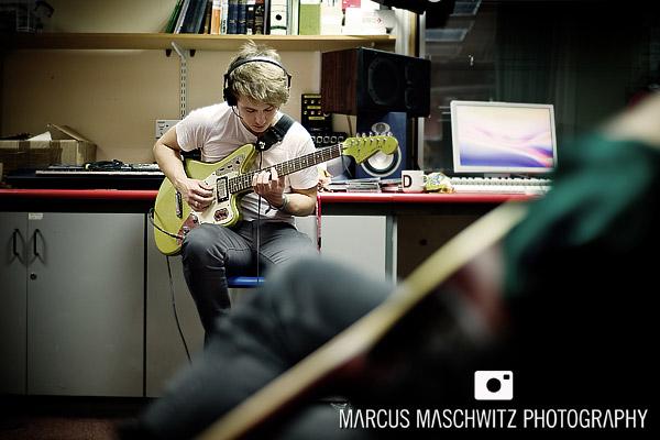 narration-in-studio-08